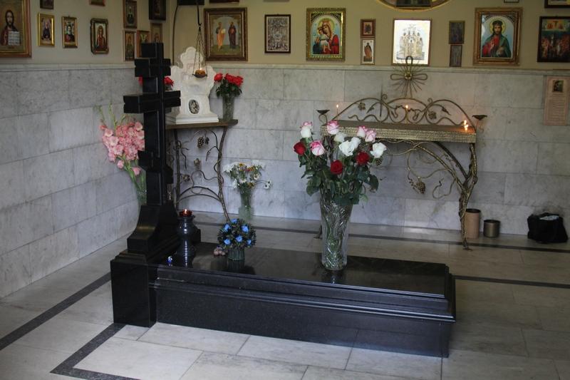 http://www.hram-bataysk.ru/wp-content/uploads/2013/02/Anastasija-Vladikavkaz-2.jpg